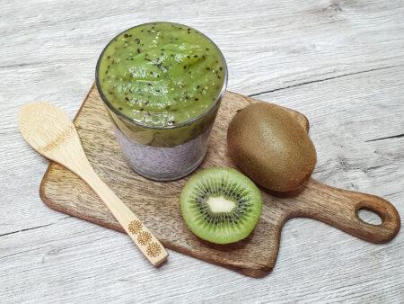 Chiapudding mit Kiwi- Ingwer- Topping